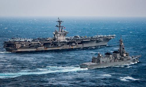Tàu sân bay USS Carl Vinson trên đường tới Hàn Quốc tập trận hồi năm 2017. Anhr: USNI.