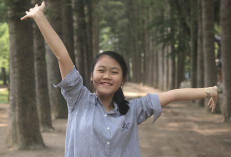 Là học sinh chuyên Anh nhưng Minh Phương quyết định lựa chọn học ngành Vật lý theo đam mê. Ảnh: NVCC