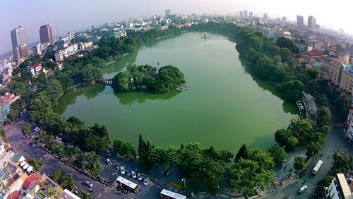 Tốc độ đô thị hoá nhanh đang tạo ra những bất cập trong quản lý đô thị tại TP Hà Nội. Ảnh minh hoạ: Giang Huy.