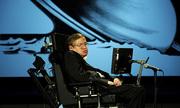 Công nghệ giúp Stephen Hawking giao tiếp suốt 33 năm mất giọng nói