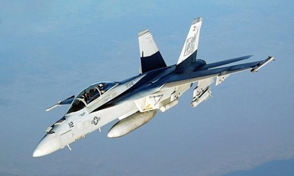 1200px-FA-18-Hornet-VFA-41-5243-15210801