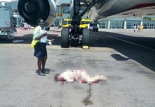 Nữ nhân viên bị thương nặng lập tức được đưa đi bệnh viện gần nhất cấp cứu. Ảnh: Airlive.net.