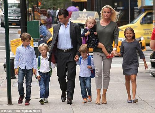 Gia đình của Donald Jr. và Vanessa. Ảnh: Splash News