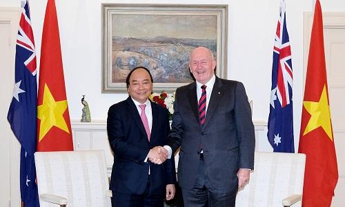 Thủ tướng Nguyễn Xuân Phúc và Toàn quyền Peter Cosgrove. Ảnh: VGP.