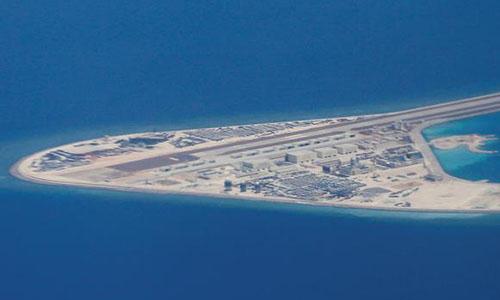 Căn cứ Trung Quốc xây dựng ở đá Subi trên Biển Đông. Ảnh: AP.