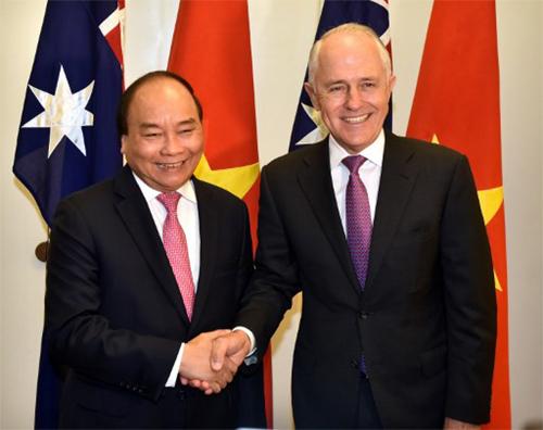 Thủ tướng Chính phủ Nguyễn Xuân Phúc trong cuộc gặp với Thủ tướng AustraliaMalcolm Turnbull tại Canberra ngày 15/3. Ảnh: VGP.