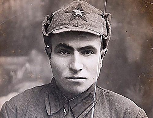 Binh sĩ Hồng quân Liên XôSemyon Hitler. Ảnh: RBTH.