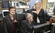 Ba lời khuyên của Stephen Hawking dành cho các con
