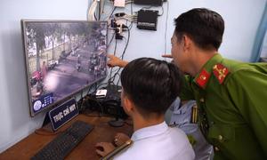 Quận ở TP HCM xử phạt lấn chiếm vỉa hè qua camera