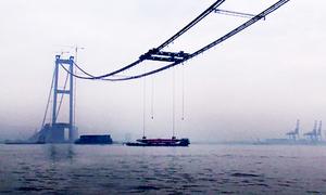Trung Quốc xây cầu đường thủy 176 đốt dầm hộp thép