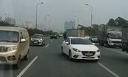 Tài xế Việt phát hoảng vì cả trăm ôtô đi ngược trên đại lộ