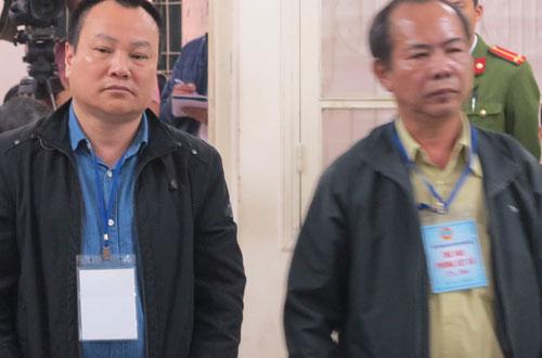 Bị cáo Hưng (trái) và Khen tại phiên tòa sơ thẩm.