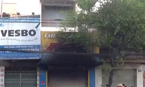 Cảnh sát giải cứu ba người trong căn nhà bốc cháy ở Sài Gòn