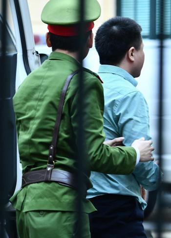 Bị cáo Hà Văn Thắm được triệu tập đến tòa để làm chứng. Ảnh: Giang Huy.