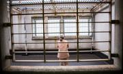 Cụ bà Nhật ăn cắp vặt để vào tù, trốn tránh cô đơn