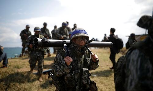 Binh sĩ Hàn Quốc tham gia tập trận chung Đại bàng Non năm 2017. Ảnh: REuters.