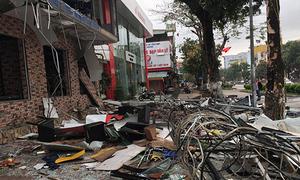 Tòa nhà hai tầng ở Nghệ An nổ lớn trong đêm