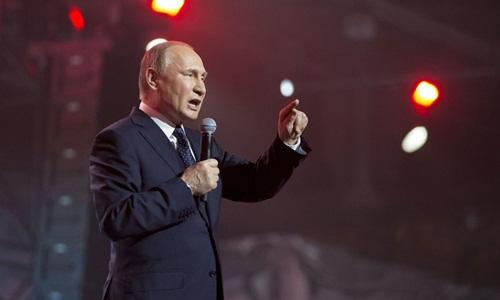 Ông Putin phát biểu tại một diễn đàn dành cho thanh thiếu niên ở Moscow hôm 15/3. Ảnh: AP.