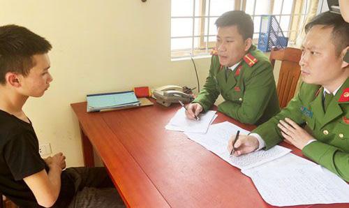 Nghi can Nguyễn Xuân Tú tại cơ quan điều tra. Ảnh: T.Thanh.