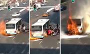 Hành khách Trung Quốc giẫm đạp nhau chạy khỏi xe buýt bốc cháy