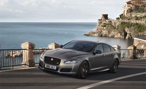 Jaguar XJ được đích thân cựu Thủ tướng Anh David Cameron chọn là phương tiện di chuyển trong thời kỳ đương nhiệm.