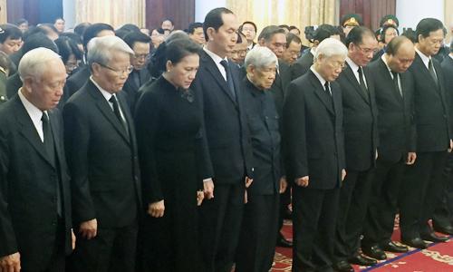 Nhiều đoàn lãnh đạo đến viếng nguyên Thủ tướng Phan Văn Khải