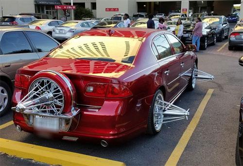 Một xe gắn phụ kiện giống ôtô trong video và bị bắt gặp ở New Orleans, Mỹ. Ảnh: Facebook.