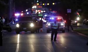 Nghi phạm đánh bom hàng loạt ở Texas tự sát trên đường bỏ chạy