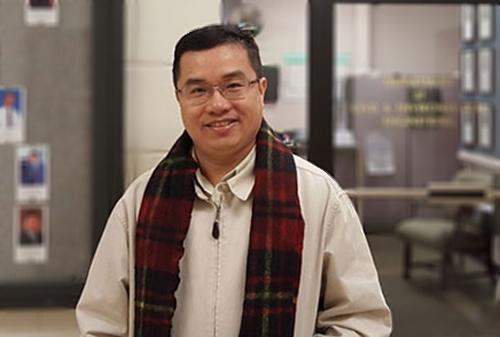 Giáo sư Nguyễn Thời Trung.