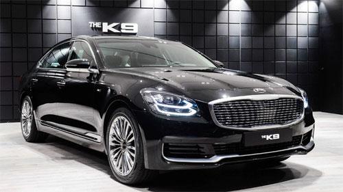K900, hay K9, là mẫu sedan đầu bảng của Kia với mục tiêu cạnh tranh với các đối thủ Đức. Ảnh: Carscoops.