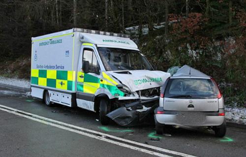 Xe ưu tiên phải chịu trách nhiệm về tai nạn hoặc va chạm nếu điều khiển thiếu trách nhiệm. Ảnh minh họa:Drew Geddes
