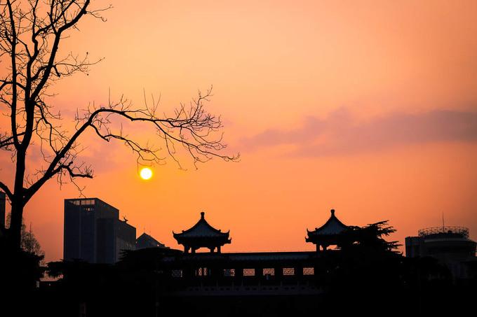 Thành phố Nam Kinh của Trung Quốc lúc giao mùa