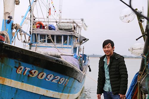 Chiếc tàu cũ được em trai anh Tuấn làm thuyền trưởng, cùng anh ra vùng biển Hoàng Sa, Trường Sa đánh bắt.Ảnh:Hoàng Táo