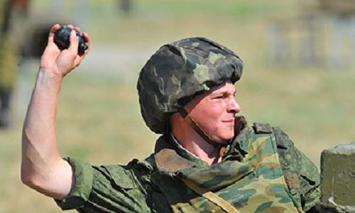 Sĩ quan Nga hy sinh khi lấy thân mình che lựu đạn cho lính