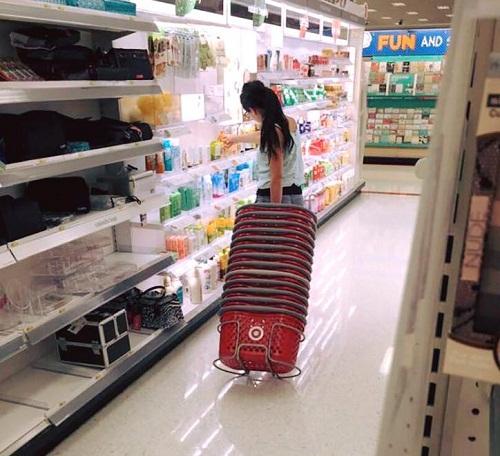Chị rất ít khi đi siêu thị.