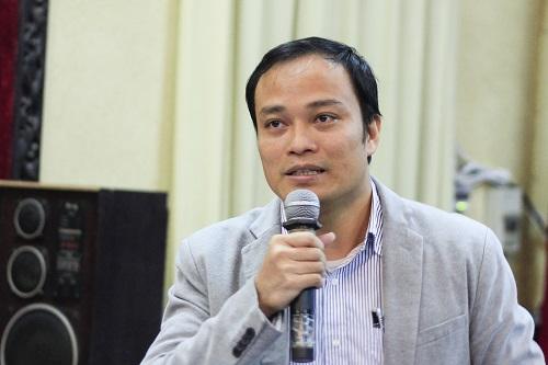 TS Phạm Thế Hải nói về nghiên cứu nhằm chế tạo biosensor phát hiện sắt trong nước. Ảnh: Dương Tâm