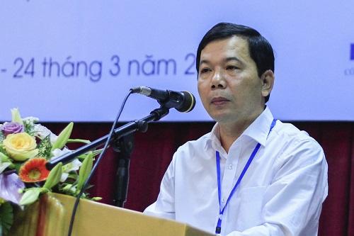 Phó cục trưởng Biến đổi khí hậu Trương Đức Trí thông tin những hướng nghiên cứu cần được ưu tiên. Ảnh: Dương Tâm