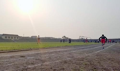 Sân vận động Hà Tĩnh chủ yếu dùng để thi đấu các giải thể thao phong trào, hội khỏe phù đổng. Ảnh: Đức Hùng chụp sáng 23/3.