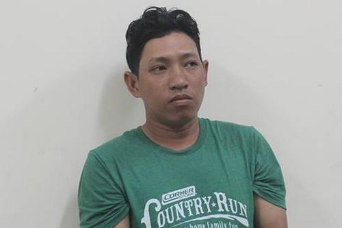 Dương bị bắt giữ tại Kiên Giang để di lý lên Đồng Nai điều tra. Ảnh: Thái Hà