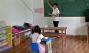 Học sinh duy nhất trong trường làng Trung Quốc