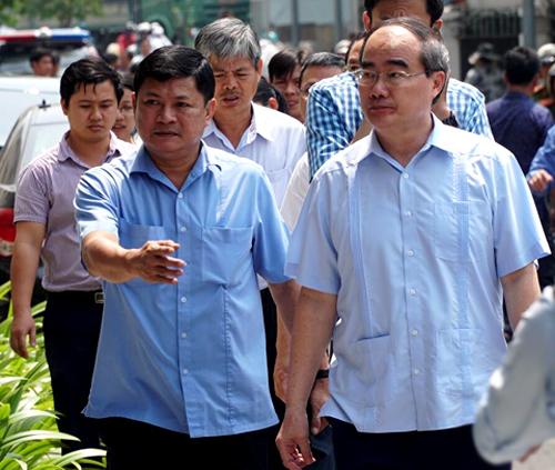 Bí thư Thành ủy Nguyễn Thiện Nhân kiểm tra công tác điều tra vụ cháy.