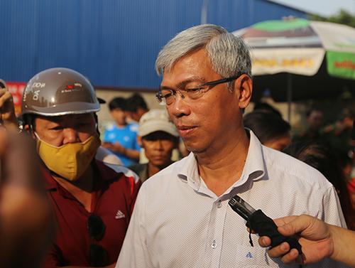 Chánh văn phòng UBND TP HCM Võ Văn Hoan tại cuộc họp báo. Ảnh: Duy Trần