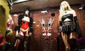 Nhà thổ búp bê tình dục ở Pháp thoát lệnh đóng cửa