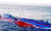 Sóng nhấn chìm tàu cá ở miền Tây, hai người mất tích