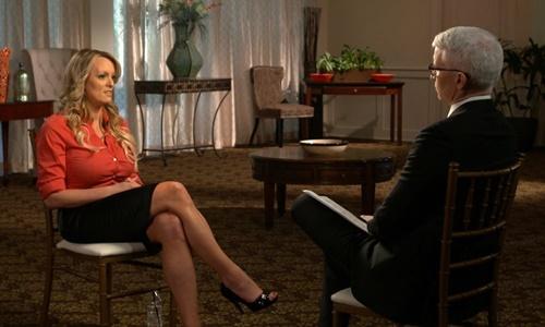 Stormy Daniels trong chương trình 60 phút của kênh CBS phát sóng tối 25/3. Ảnh: AP.