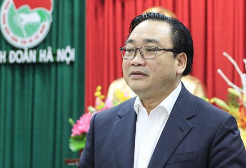 Bí thư Thành ủy Hà Nội Hoàng Trung Hải tỏ ratrăn trở về công tác trẻ hóa cán bộ Đoàn. Ảnh: Dương Tâm