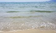 Vệt nước đen ở biển Đà Nẵng đã lùi xa bờ