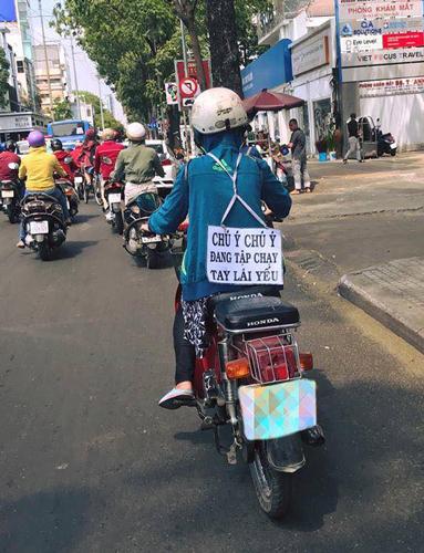 Hành động dễ cảm thông của phụ nữ tay lái yếu