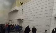 Người dân nhảy lầu trong vụ cháy trung tâm thương mại Nga