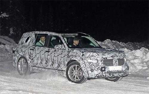 Mẫu SUV mới của Mercedes bị bắt gặp chạy thử trên đường tuyết ở Scandinavia. Ảnh: Carscoops.